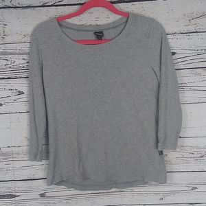 Patagonia grey thermal top size small